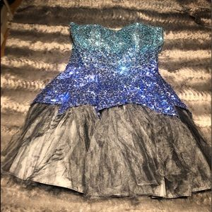 Awesome sequin Prom Dress Size 9/10